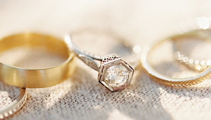 How to clean gold jewelry the right way silver and gold engagement rings and wedding bands solutioingenieria Image collections