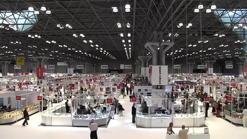 7 Tips for Staying Safe at Jewelry Trade Shows